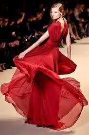 Kırmızı Giymek